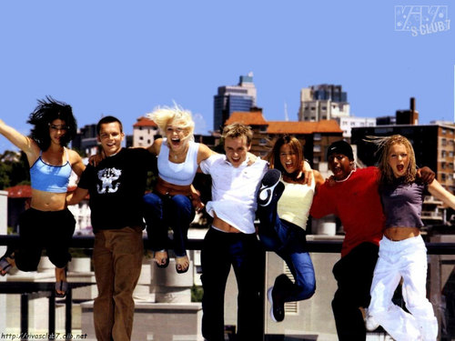 S Club 7 壁紙 possibly with a business district and a 通り, ストリート called S Club 7