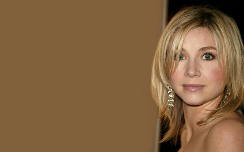 Sarah Chalke wallpaper containing a portrait and skin entitled Sarah <3