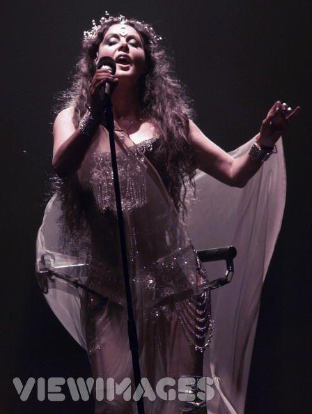 http://images1.fanpop.com/images/image_uploads/Sarah-Brightman-sarah-brightman-1042590_448_594.jpg