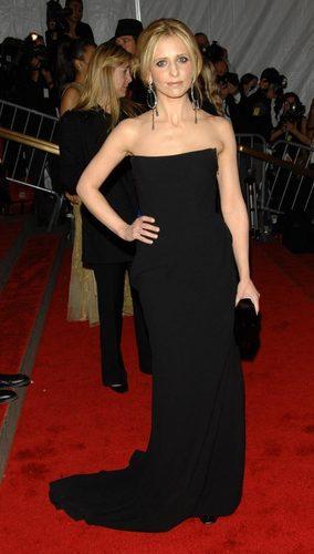 Sarah Michelle Gelllar ay NYC gala