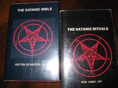 Satanic libri