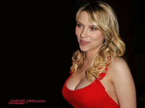 Scarlett Johansson wallpaper probably containing attractiveness entitled Scarlett
