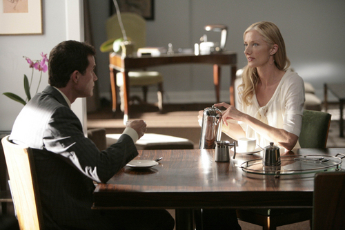 Nip/Tuck wallpaper with a dinner table, a bistro, and a brasserie entitled Sean & Julia