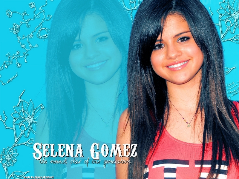 pics of selena gomez with