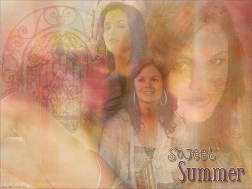 Summer Roberts wallpaper probably containing a portrait titled Summer