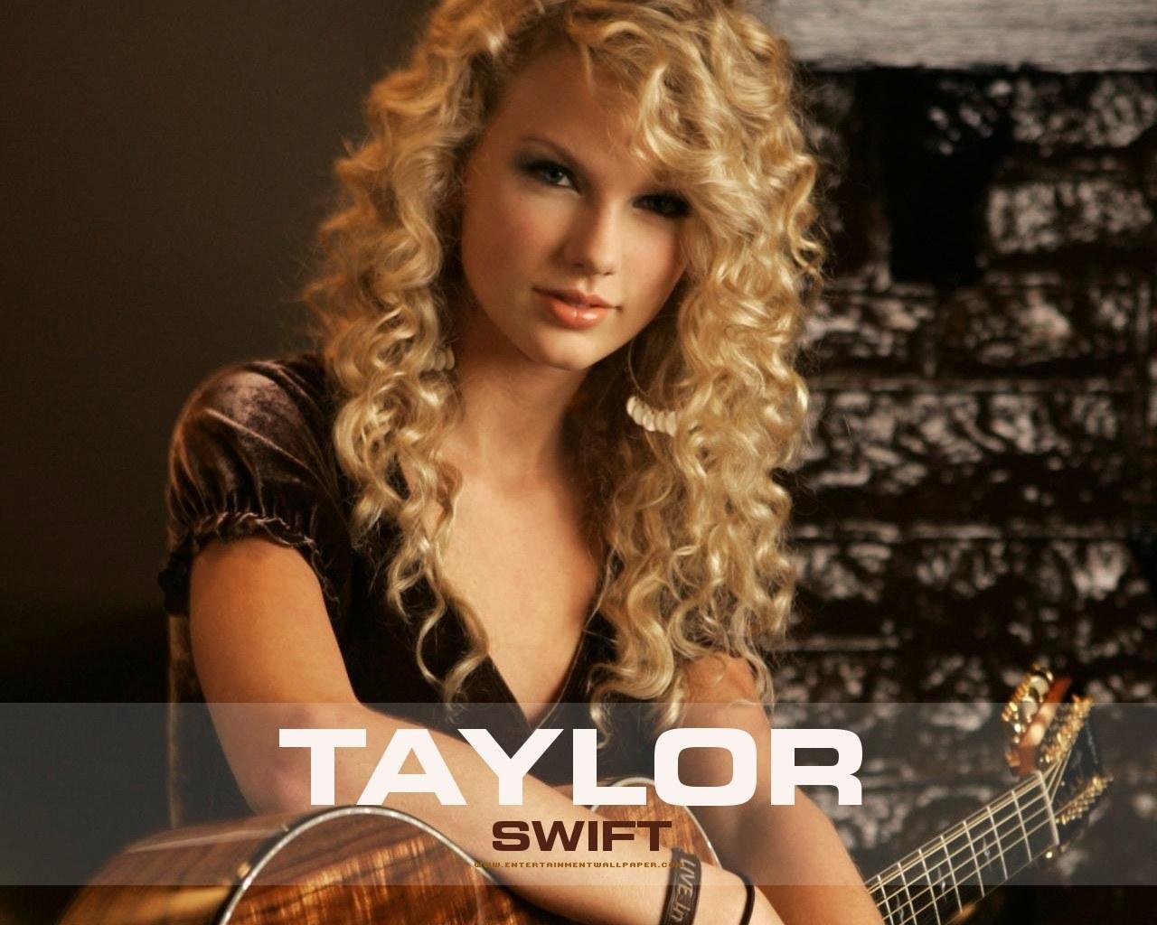 http://images1.fanpop.com/images/image_uploads/Taylor-taylor-swift-1171146_1280_1024.jpg
