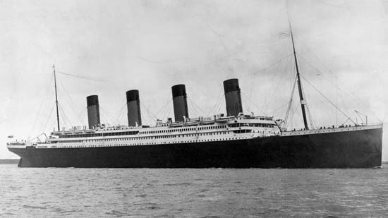 http://images1.fanpop.com/images/image_uploads/The-Titanic-rms-titanic-850081_550_309.jpg