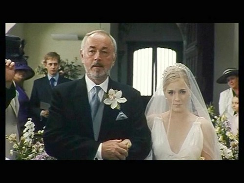 The Wedding tarehe