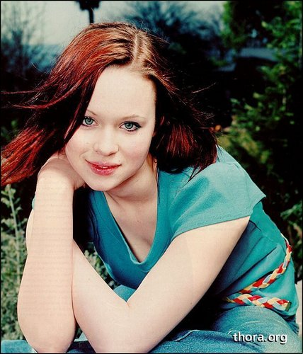 Thora Birch achtergrond titled Thora in The Face Magazine
