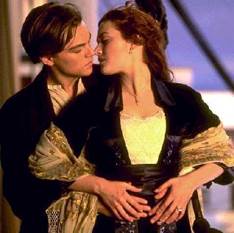 Titanic Kiss - famous-kisses Photo