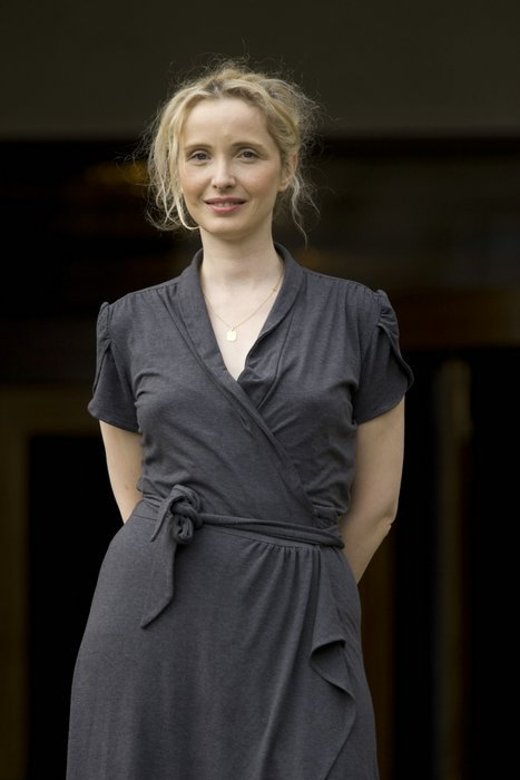 1000 images about julie delpy on pinterest julie delpy being single and search. Black Bedroom Furniture Sets. Home Design Ideas