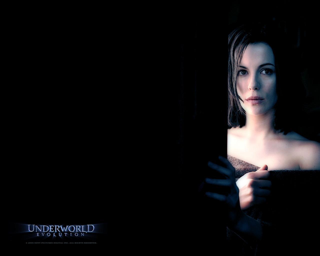 Underworld Evolution -... Underworld Evolution Wallpaper