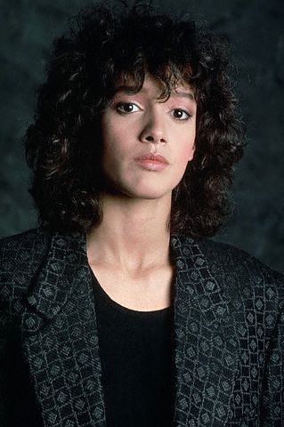 Younger Jennifer Beals