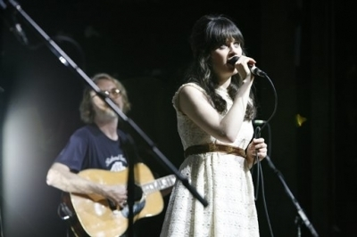 Zooey performing