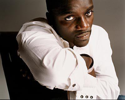 Akon karatasi la kupamba ukuta entitled Akon