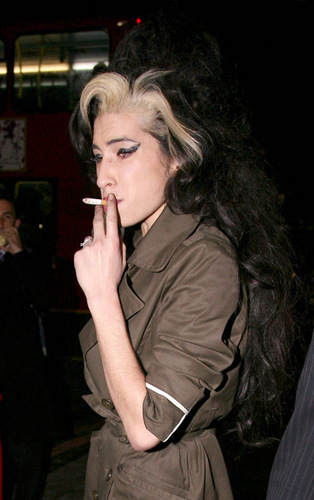 Amy Winehouse kertas dinding titled amy