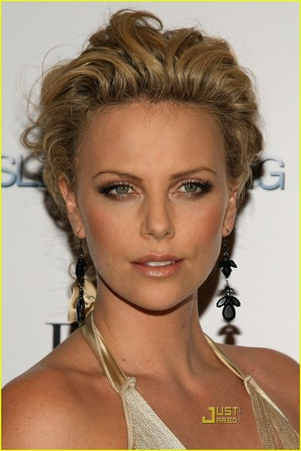 Charlize Theron wallpaper with a portrait called charlize theron