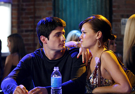 naley - naley-vs-brucas Photo