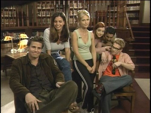 Buffy The Vampire Slayer kertas dinding titled season 3 cast