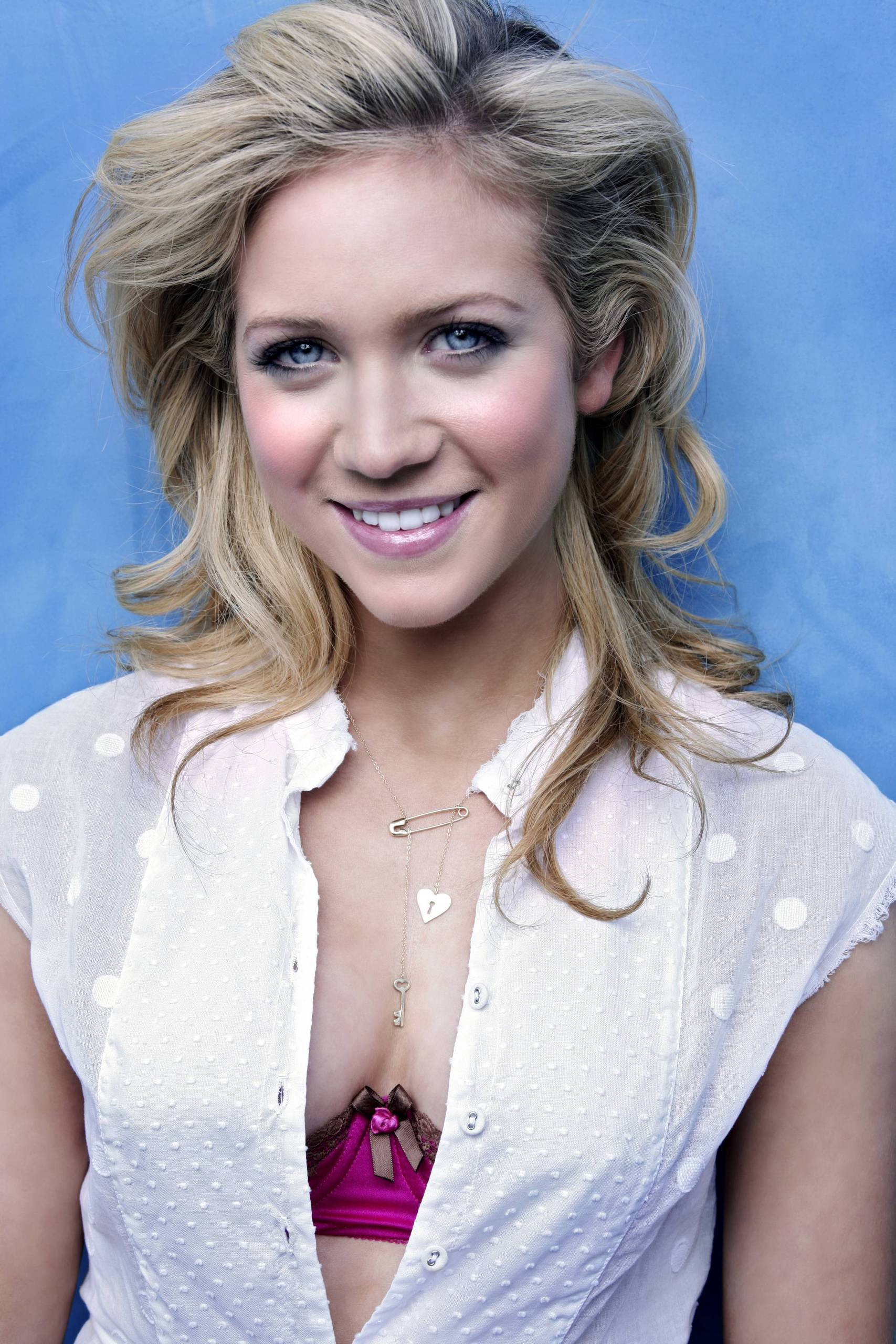 Brittany Snow - Wallpaper Gallery