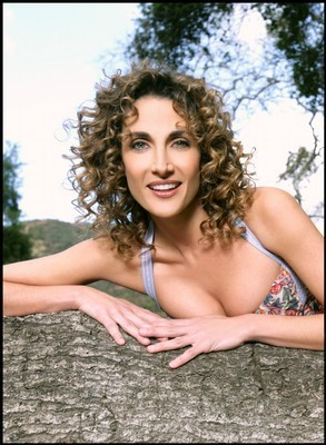 Melina Kanakaredes wallpaper probably containing a portrait and skin entitled Melina
