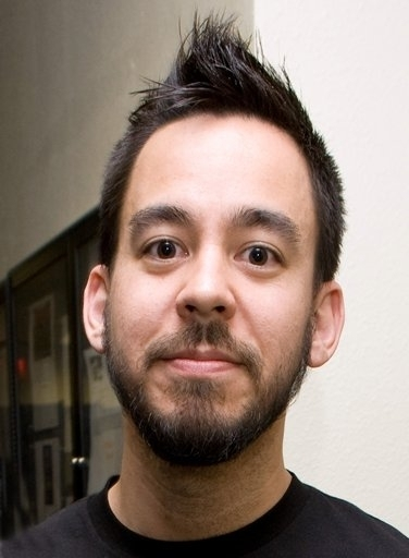 Mike Shinoda - a musician, painter and an American music producer Mike-Shinoda-mike-shinoda-1298780-376-512