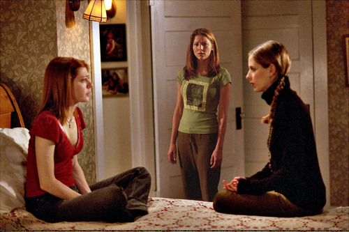buffy, a caça-vampiros wallpaper containing a family room, a living room, and a drawing room entitled Willow,Amy & Buffy (season 6)