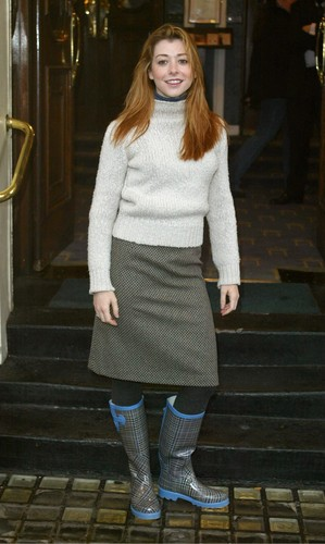 Alyson Hannigan achtergrond with an outerwear and a hip boot entitled Alyson