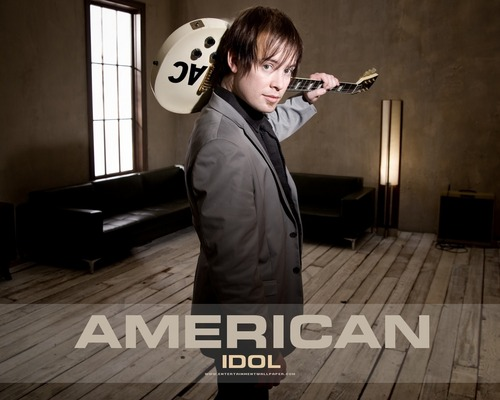 American Idol wallpaper possibly with a business suit, a well dressed person, and a living room entitled American Idol season7