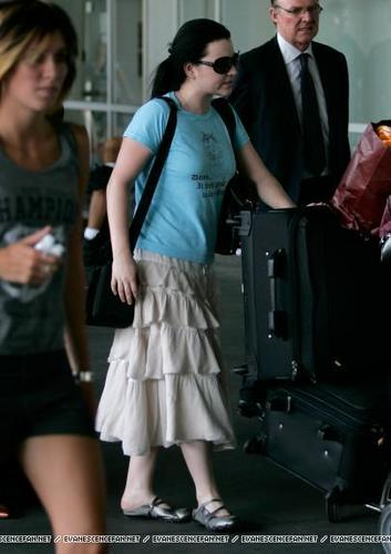 Amy Lee arrives in Melbourne, Australia