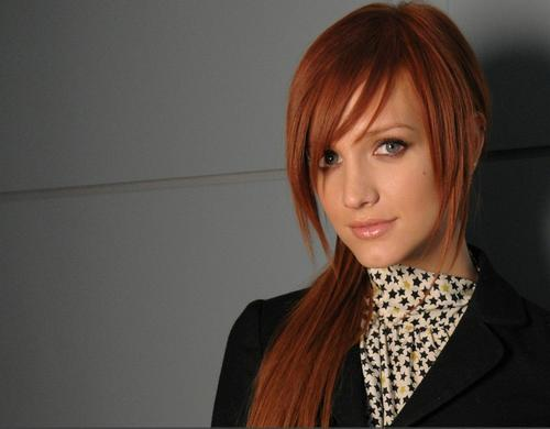 Ashlee Simpson wallpaper probably with a business suit and a suit called Ashlee Simpson