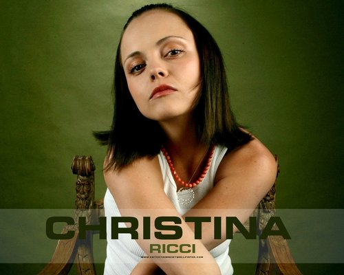 Christina Ricci karatasi la kupamba ukuta with a portrait entitled Christina Ricci