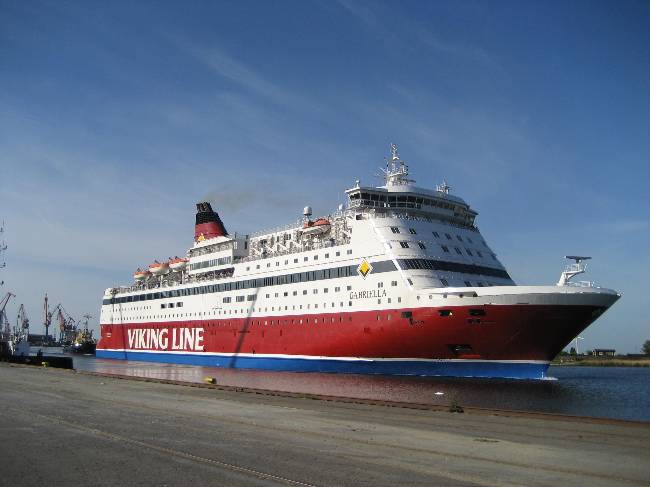 Cruise-Ferry-travel-1372874-2272-1704.jpg