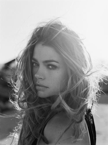 Denise Richards wallpaper possibly with a portrait entitled Denise