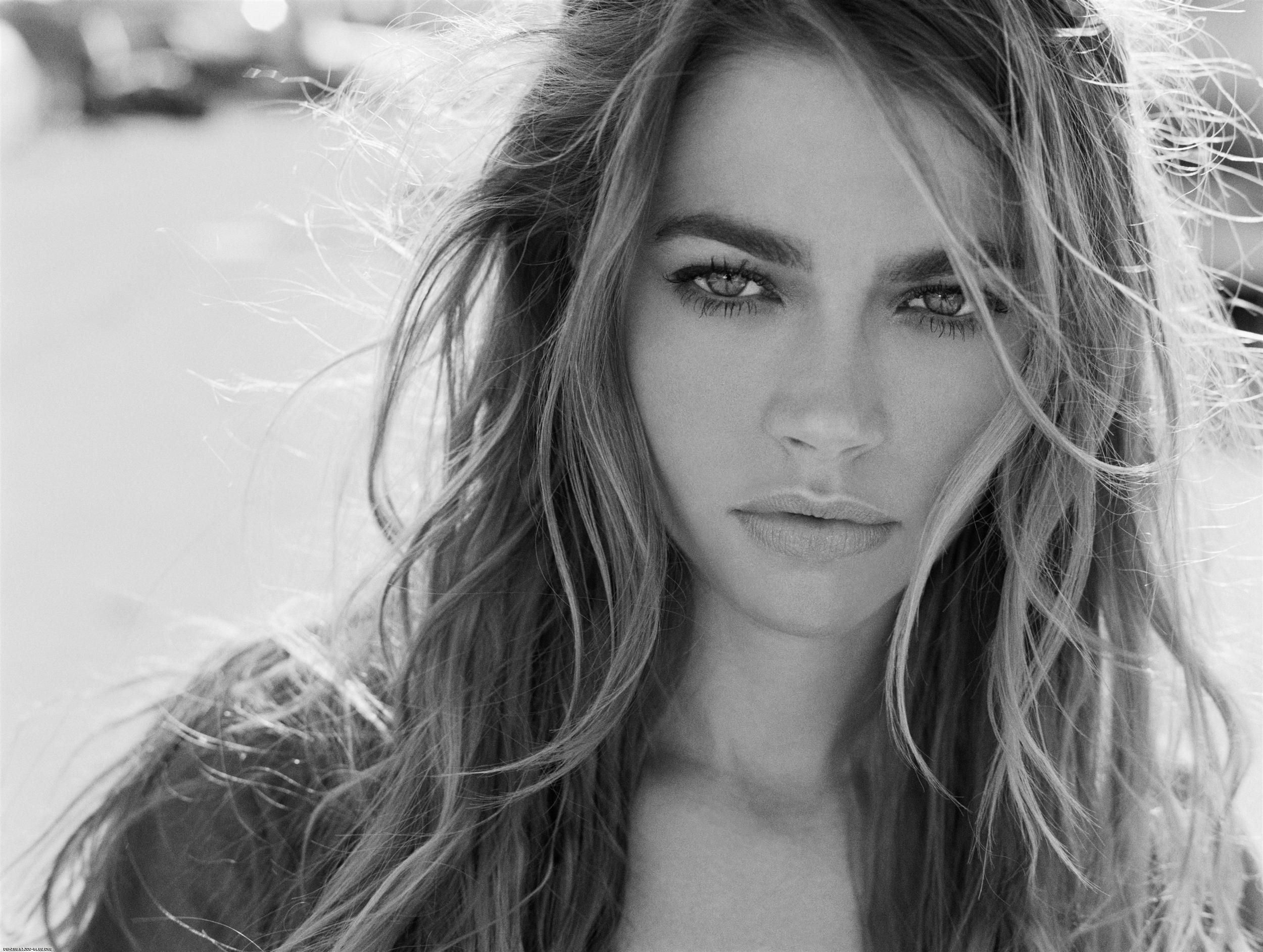 Denise richards images denise hd wallpaper and background for Black and white pictures of celebrities