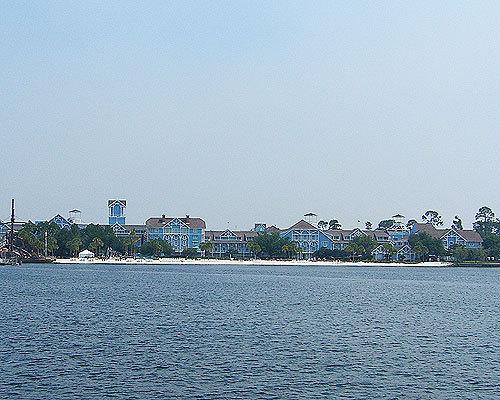 Disney's ساحل سمندر, بیچ Club Resort