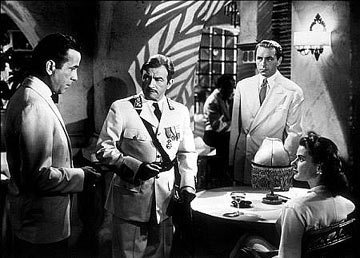 Casablanca wallpaper with a business suit called Ensemble