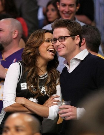 Eva Longoria Parker and Kevin Connolly share a laugh at the LA Lakers Vs San Antonio Spurs Playoffs