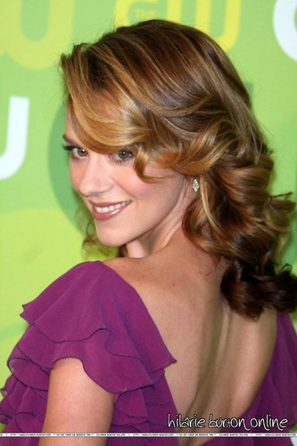 Hilarie Burton wallpaper containing a portrait called Hilarie