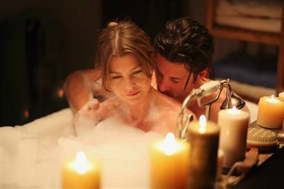 Grey's Anatomy Couples wallpaper with a candle entitled Meredith and Derek