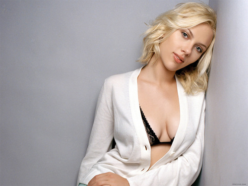 Scarlett Johansson wallpaper probably containing a well dressed person, a blouse, and an outerwear titled Scarlett