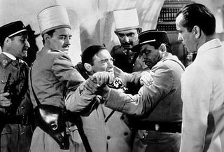 Casablanca پیپر وال containing a green beret, a bandsman, فوجی کپڑے, and ریگامانٹلس titled Ugarte