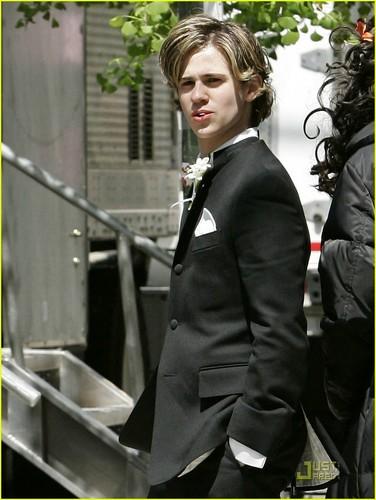 バン der ベース 壁紙 containing a business suit entitled バン der ベース <3