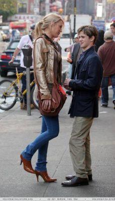バン der ベース 壁紙 with a 通り, ストリート and a hip boot entitled バン der ベース