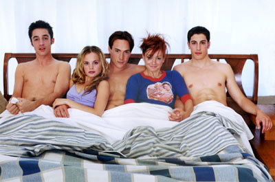 Alyson Hannigan kertas dinding containing skin called alyson in american pie