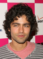 ADRIAN GRENIER AT BILLABONG - adrian-grenier photo