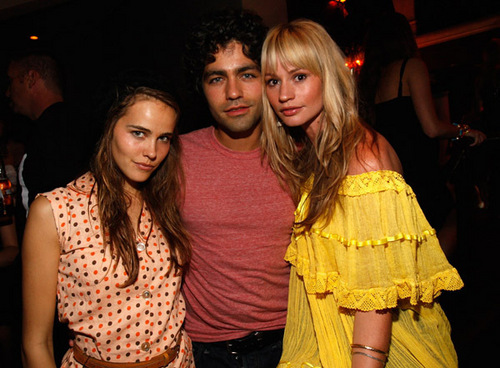 ADRIAN GRENIER, ISABEL LUCAS AND CAMERON RICHARDSON AT BILLABONG desain FOR HUMANITY