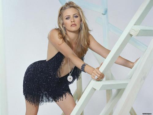 Pelakon wanita kertas dinding possibly with a chemise, a koktel dress, and skin titled Alicia Silverstone