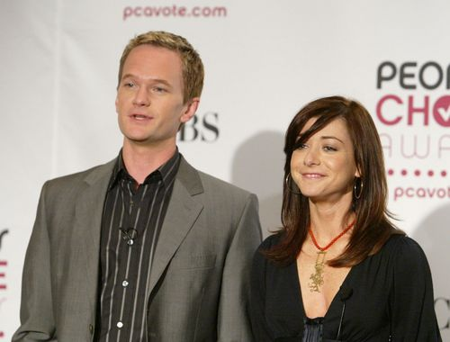 Alyson Hannigan achtergrond containing a business suit, a well dressed person, and a suit called Aly & NPH