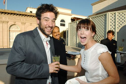 Alyson Hannigan kertas dinding containing a business suit entitled Alyson & Josh